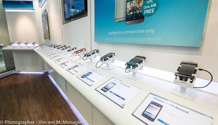 telecomwinkel-O2-long-display-with-Gripzo