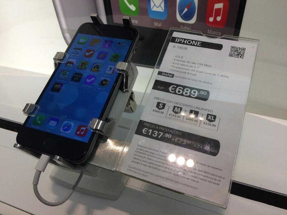 gripzo-iphone-6-in-grip-3.jpg